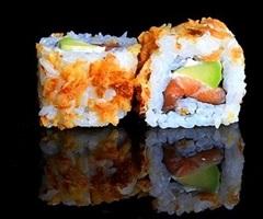 Maki California Saumon Avocat Fromage Oignons frits(NEW)
