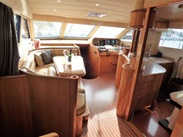 Majesty : vente de GUY COUACH 2100 FLY spécialiste de Grande Plaisance