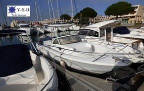 Yacht Service : vente de BENETEAU OMBRINE 700 spécialiste de Bateaux Moteurs