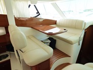 Majesty : vente de JEANNEAU PRESTIGE 46 spécialiste de Bateaux Moteurs
