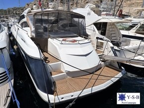Yacht Service : vente de ABSOLUTE 56 Hard Top spécialiste de Bateaux Moteurs