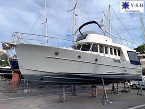 Yacht Service : vente de BENETEAU SWIFT TRAWLER 42 spécialiste de Bateaux Moteurs