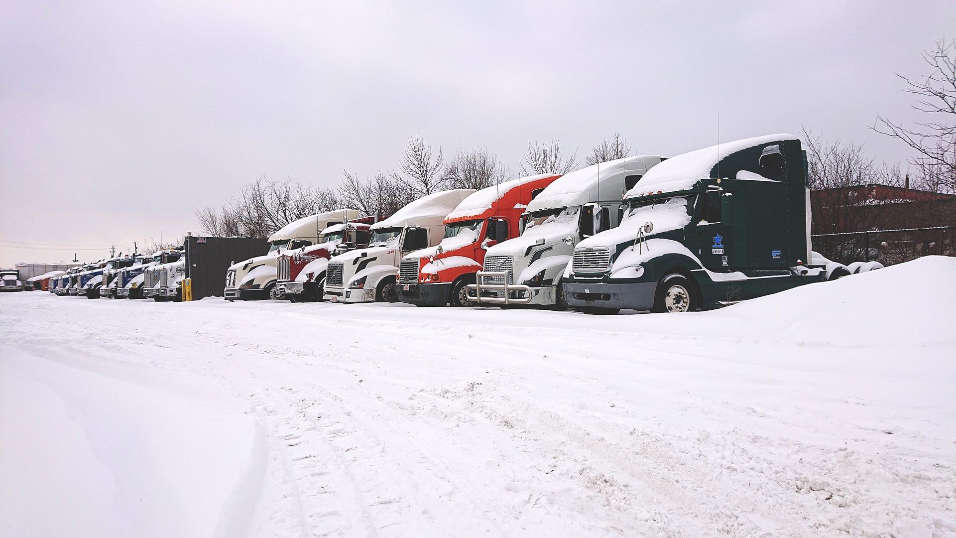 camions pneus hiver dans la neige